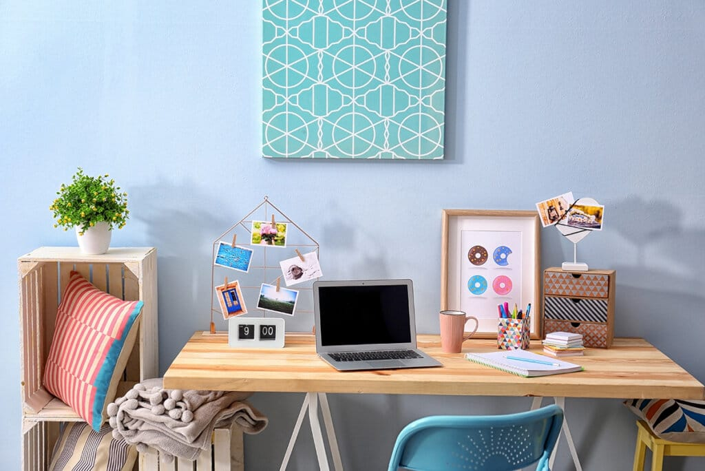 How Does A Freelancer Stay Organized When They're Too Busy?