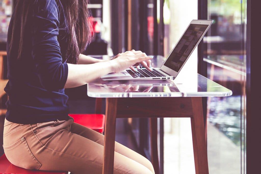 How Do I Win Freelance Writing Jobs as a Non-Native English Speaker?
