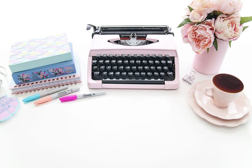 How Can a Stay at Home Mom Become a Freelance Writer?