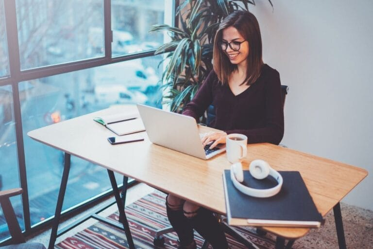 What Are the Essential Tools for Beginning Freelancers?