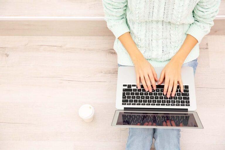 How Do You Negotiate and Meet Deadlines as a Freelancer?