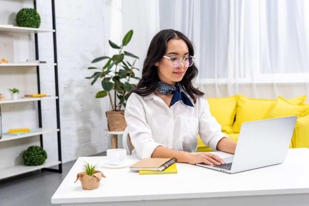 Fiverr vs Upwork: Is One Better for Freelancers in 2021?