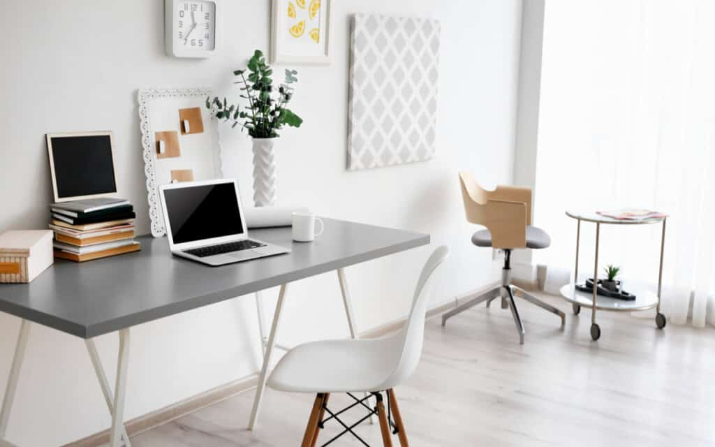 What Home Office Layout Ideas Work Best for Freelancers?